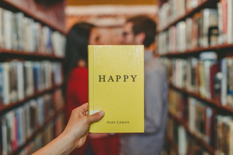 Happy book couple